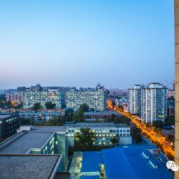 北京林业大学夜景—站在学研大厦上