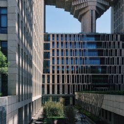 手机拍摄的北京林业大学学研大厦